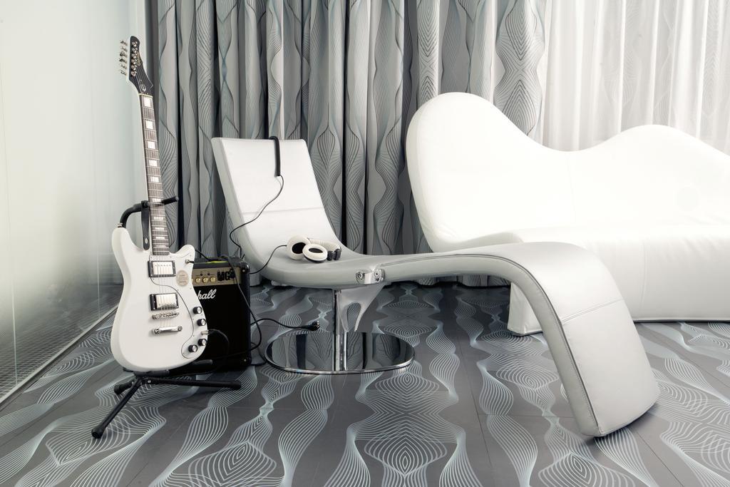 nhow berlin 247 gitarren service 2