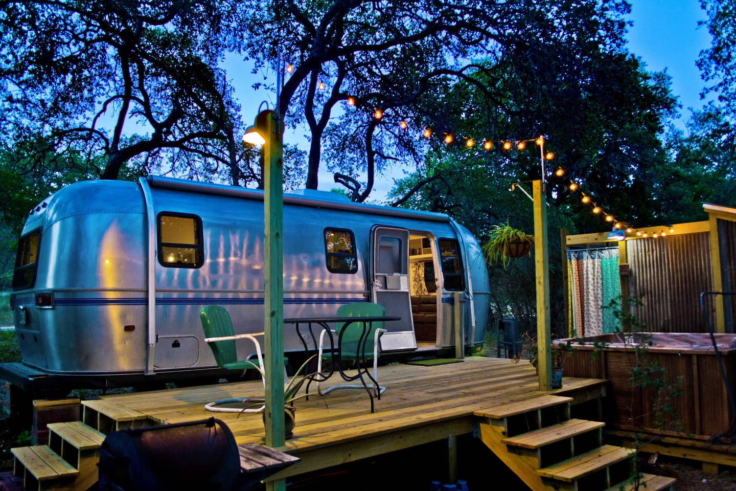 Retro-Airstream-Texas
