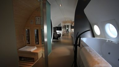 airplane-Suite-ddr-honnecker-il18-sauna