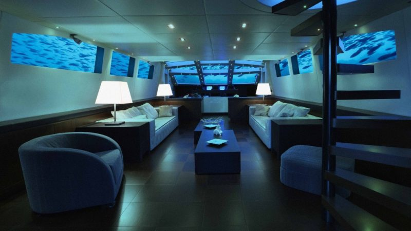 submarine_lounge_seating