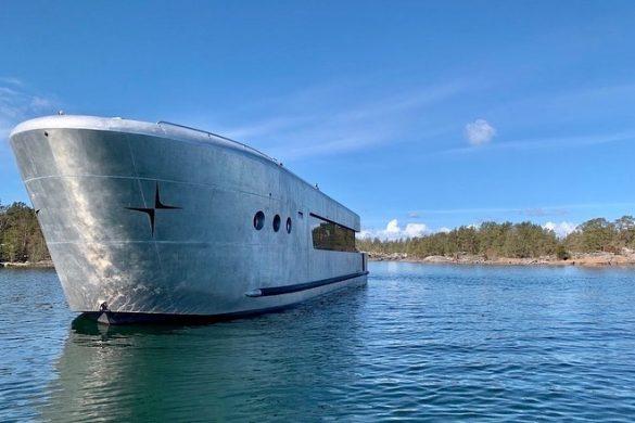 marine-cabin-rotterdam-in-fahrt-2-1