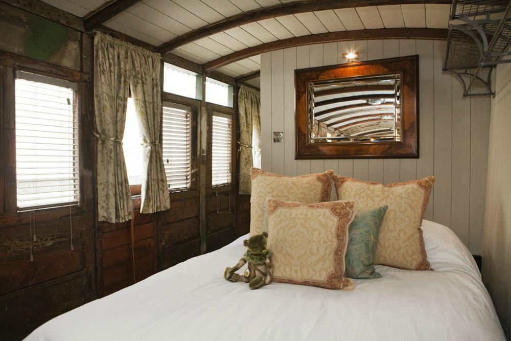 Hemsleys-Eisenbahnwaggon-schlafen